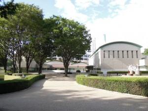 世田谷美術館(世田谷区砧公園1-2)
