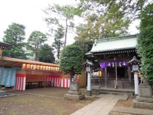 三峯神社(世田谷区砧4-6)お祭り準備(境内)