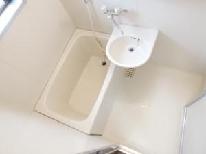 世田谷区砧3丁目1K賃貸アパート小窓付きの浴室