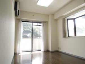 世田谷区千歳台4丁目3DK賃貸マンション出窓付き洋室