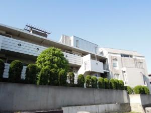 世田谷区喜多見6丁目のRC造3LDK高セキュリティ賃貸マンション外観