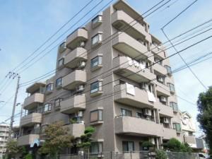 世田谷区千歳台4丁目のルーフバルコニー付2LDK賃貸マンション外観